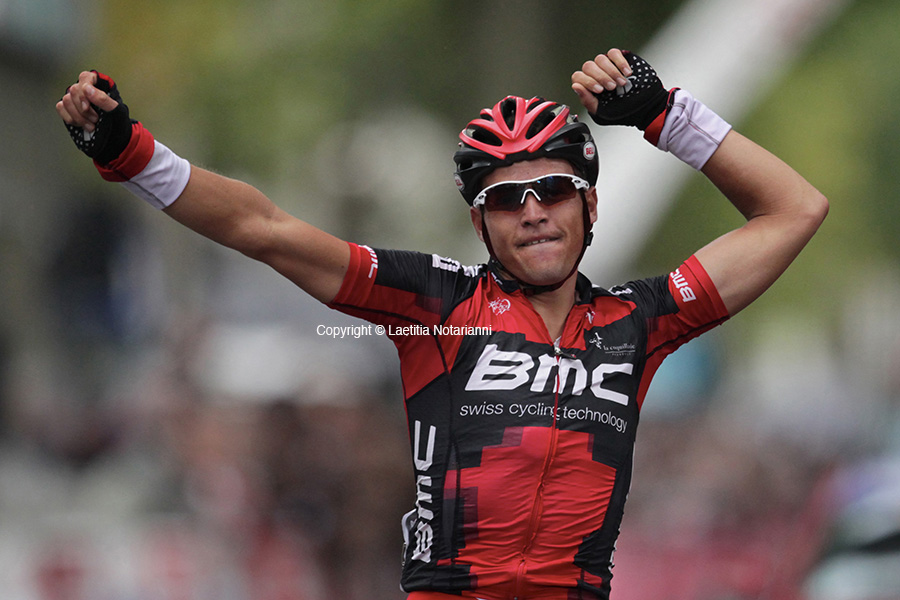 Belgium's Greg Van Avermaet of BMC celebrates as he wins the 233 km Paris-Tours cycling race in Tours, western France, on October 9, 2011. REUTERS/Laetitia Notarianni (FRANCE)